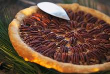 Christmas: Traditional Holiday Pecan Pie