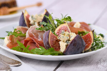 Prosciutto With Figs And Blue ...