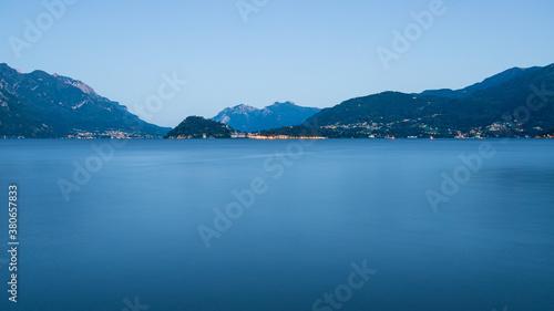 Fotografie, Obraz Lago di Como con il promontorio di Bellagio fotografati da Menaggio