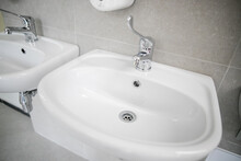 Clean Faucet With Sink In A Pu...