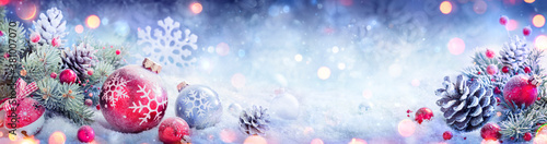 Fotografía Christmas Decoration Banner - Snowy Ornament With Pinecones On Fir Branch And De