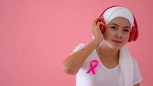 Breast Cancer Patients Listen To Music To Relax