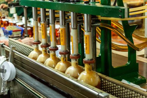 Valokuva Bottling Whiskey