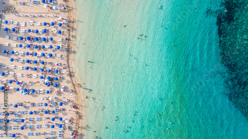 Canvas Beautiful beach view from bird perspective