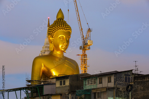 Fotografia, Obraz The biggest seated Buddha image in Thailand at Wat Paknam Phasi Charoen, 69 metr