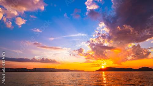 Foto 【香川県 高松市】屋島からみる夕方の瀬戸内海の自然風景