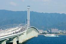 関空連絡橋とフェリーさざん