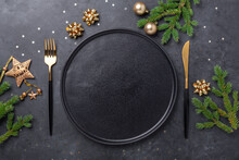 Christmas Table Setting With E...