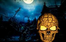 Scary Halloween Skull Illumina...