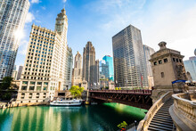 Beautiful View Of Chicago Rive...