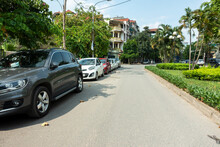 Parallel Cars Parking On Stree...