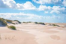 Breiter Sandstrand An Der Dän...