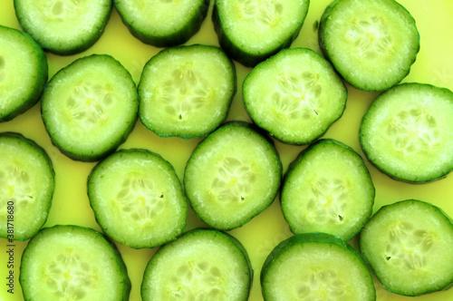Fotografie, Obraz sliced cucumbers background