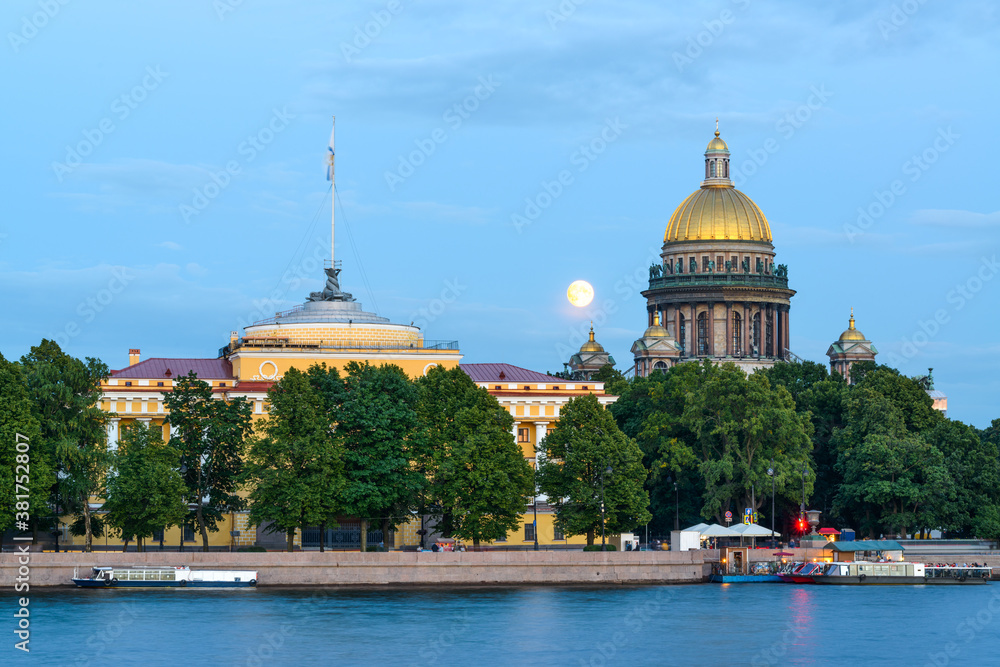 Fototapeta St Isaac's Cathedral and Admiralty across Neva river, famous landmarks, St Petersburg, Russia