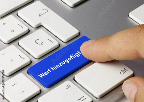 Foto Wert hinzugefügt - Wort auf blauen taste.