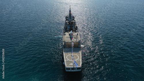 Fotomural Aerial drone photo of Hellenic Navy Frigate Navarinon anchored near port of Pi