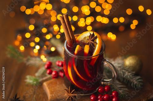 Fototapeta Traditional seasonal winter cocktail obraz