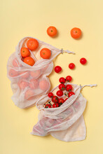 Reusable Bag To Buy Organic Fruits And Vegetables, Instead Of Using Plastic Bags
