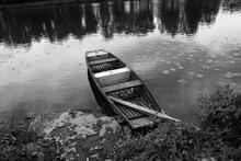 Wooden Fishing Flat Boat Float...
