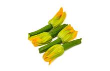 Zucchine Mignon Con Fiore Su Fondo Bianco