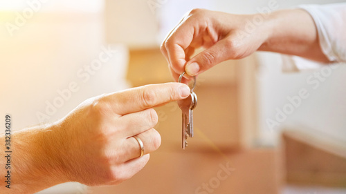 Hands hand over keys when changing tenants or buying a house Tapéta, Fotótapéta