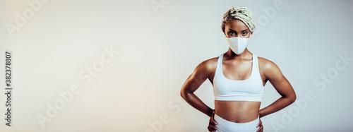 Obraz Fitness woman with face mask - fototapety do salonu