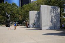 Ostküsten-Denkmal, Batteriepark, New York City, New York, USA East Coast Memorial, Battery Park, New York City, New York, USA