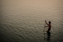 Fisherman In Taung Tha Man Lak...