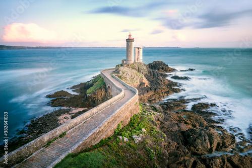 Obraz na plátně Le phare du Petit Minou dans le Finistère - rade de Brest en Bretagne