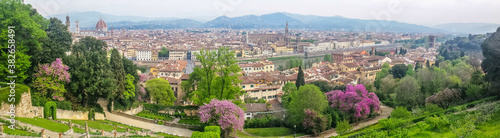 Obraz na plátně ultra wide panoramic view of Florence with many monuments in background