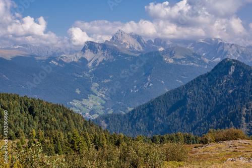 Berglandschaft in Südtirol #382806860