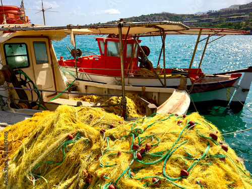 Canvastavla fishing nets in the port