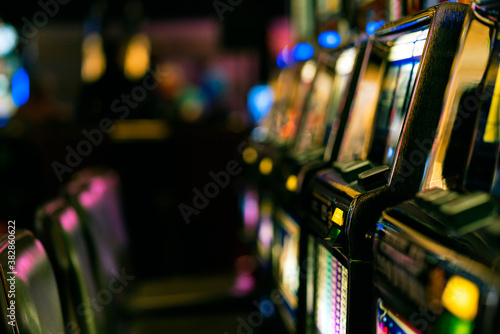 Fotografia close up background of slot machine in casino club entertainment  leisure concep