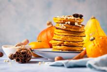 Fluffy Spicy Pumpkin Pancakes ...
