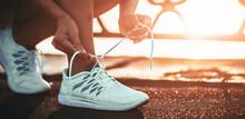 Running Shoes. Barefoot Runnin...