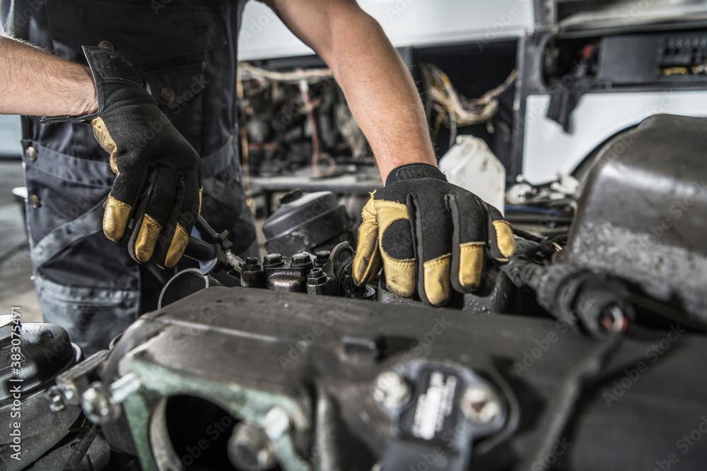 Fototapeta Mechanic Repair Semi Truck Diesel Engine