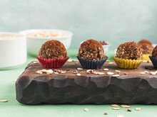 Protein Energy Balls With Coco...