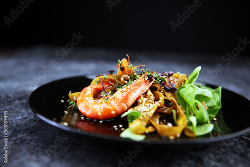 Fotografia lunch dinner dish meal in a gourmet restaurant