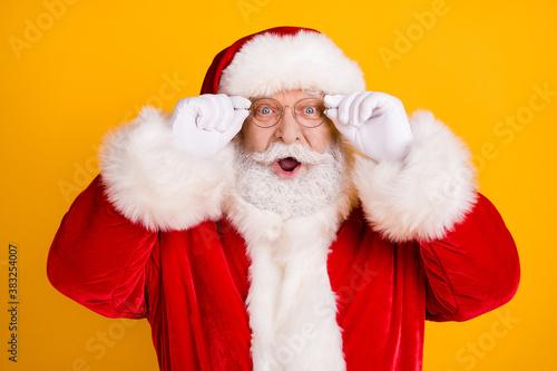 Portrait astonished santa claus impressed x-mas fairy tradition christmas discou Fototapeta