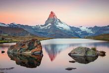 Matterhorn, Swiss Alps. Landsc...