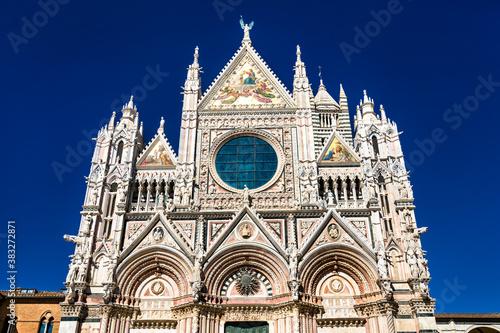 Naklejka premium Metropolitan Cathedral of Saint Mary of the Assumptionin Siena - Tuscany, Italy