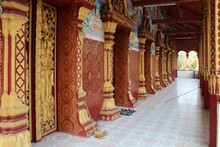 Buddhist Temple (wat Manorom) ...