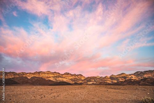 Belt of Venus at Death Valley National Park, sunsetting pink sky. Fotobehang