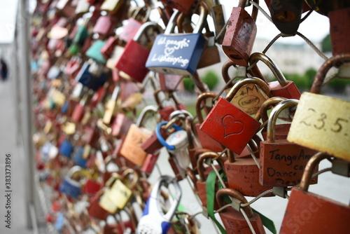 Fototapeta love promise padlock on the bridge obraz