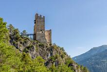 """The Ruins Of Schrofenstein Castle (also Called """"Schroffenstein""""), On A Rock Spur, Landeck, Austria"""