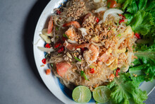 Spicy Vermicelli Salad With Se...