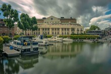 St Katharine Docks Marina In T...