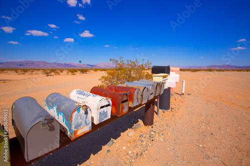 Valokuvatapetti Grunge mail boxes in California Mohave desert USA