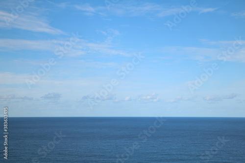Fotomural 青空と海の水平線 sunny sky and oceans horizon 1
