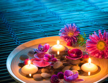 Dish Spa With Floating Candles, Daisys, Orchid On Mat